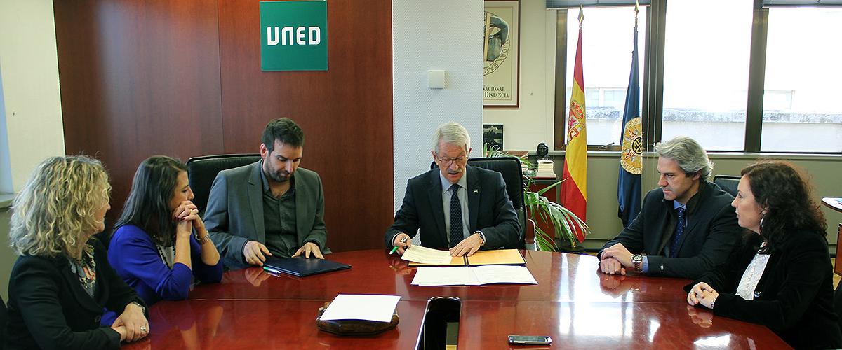 La UNED y la Asociación Española de Profesionales del Autismo firman un convenio de colaboración